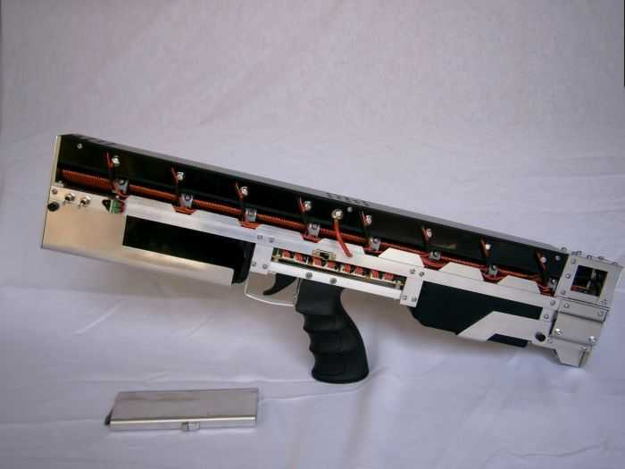 This Guy Made A Portable 1.25Kj Coilgun And A Full-Auto Gauss Gun - Want To See How Pictures 001