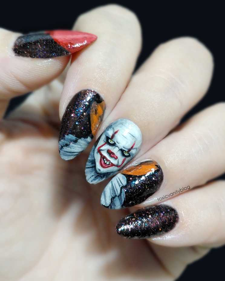 Halloween Nail Designs - Pennywise