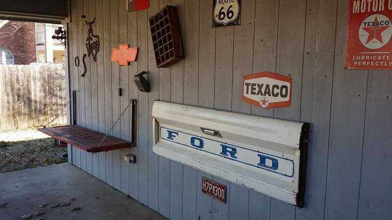 How To Make A Tailgate Wall Bench Featured