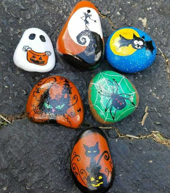 Ideas For Halloween Painted Rocks  Ghosts Skeletons, Bats, Spiders, Black Cats